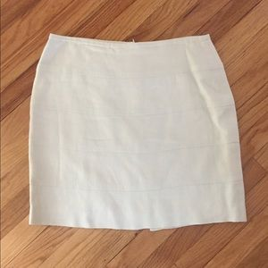 EUC Banana Republic Linen Stitch Skirt. Size 12